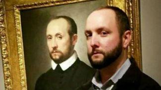 Berkunjung ke Museum Orang-Orang Ini Bertemu Kembaran di Lukisan