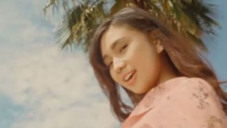 Jelang Peluncuran Album Perdana, NIKI '88rising' Rilis Single 'Vintage'