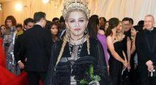 Madonna Tampil Memukau di Met Gala 2018 Dengan Headpiece Rancangan Rinaldy Yunardi!