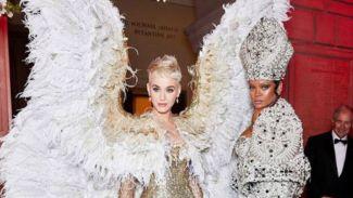Deretan Outfit Kece Para Seleb Hollywood di Met Gala 2018