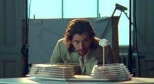 Lama Vakum, Arctic Monkeys Rilis Video Klip 'Four Out Of Five'