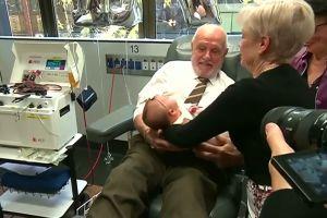 Rekor, pria ini donorkan darahnya sebanyak 1.173 kali
