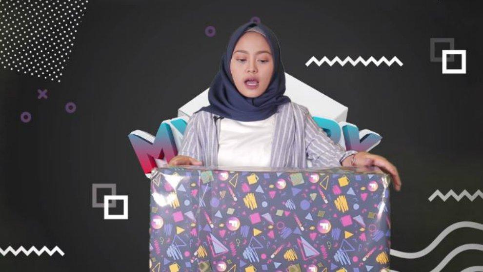 Tebak Isi Dalam 'Mystery Box' Bareng NadhilaQP