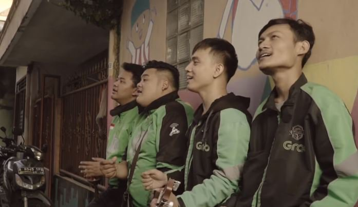 BAHAGIA ITU DEKAT - Geng Ojol (OFFICIAL MUSIC VIDEO)  © 2018 famous.id