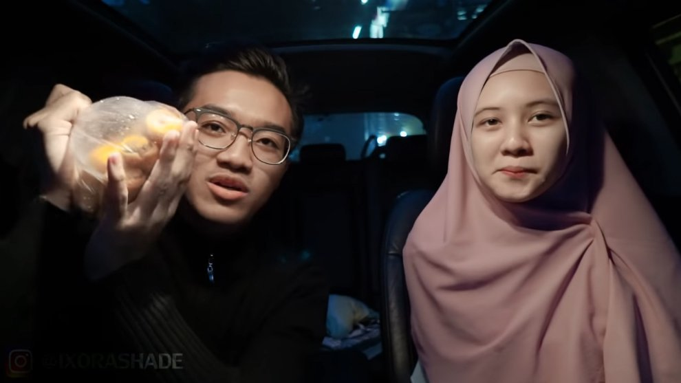 Vlog Seru, Ngabuburit Berburu Jajanan Terenak Bareng Wayan Ixora dan A