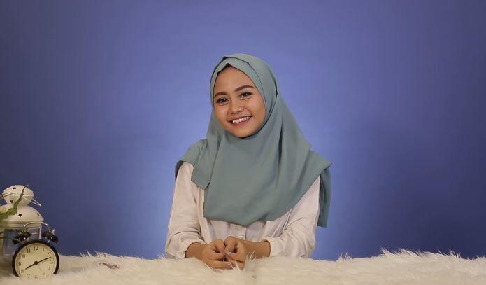 Model Hijab Sesuai Karakter Zodiak ft Nadhila QP #RamalanBintang © 2018 famous.id