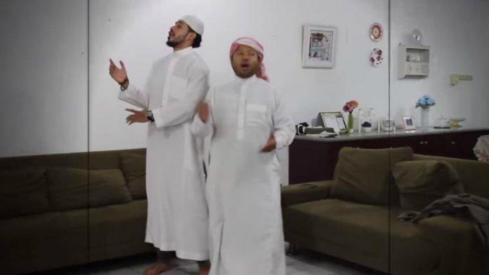 Video Lucu Parodi 'Duo Harbatah' Terinspirasi Iklan Ramayana