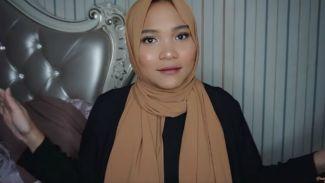 Tutorial Gaya Hijab Kekinian ala Dinda Shafay!