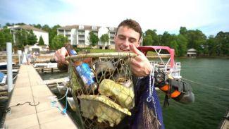 Hobi Menyelam, Pria Ini Temukan Benda Berharga di Bawah Laut!