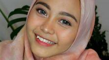 Contek 3 referensi makeup untuk pergi ke kantor dari NadhilaQP