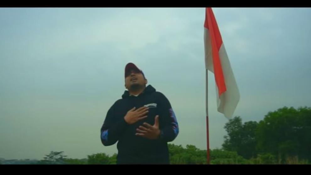 Rayakan kemerdekaan RI ke-73, Edwinsyah cover medley lagu nasional