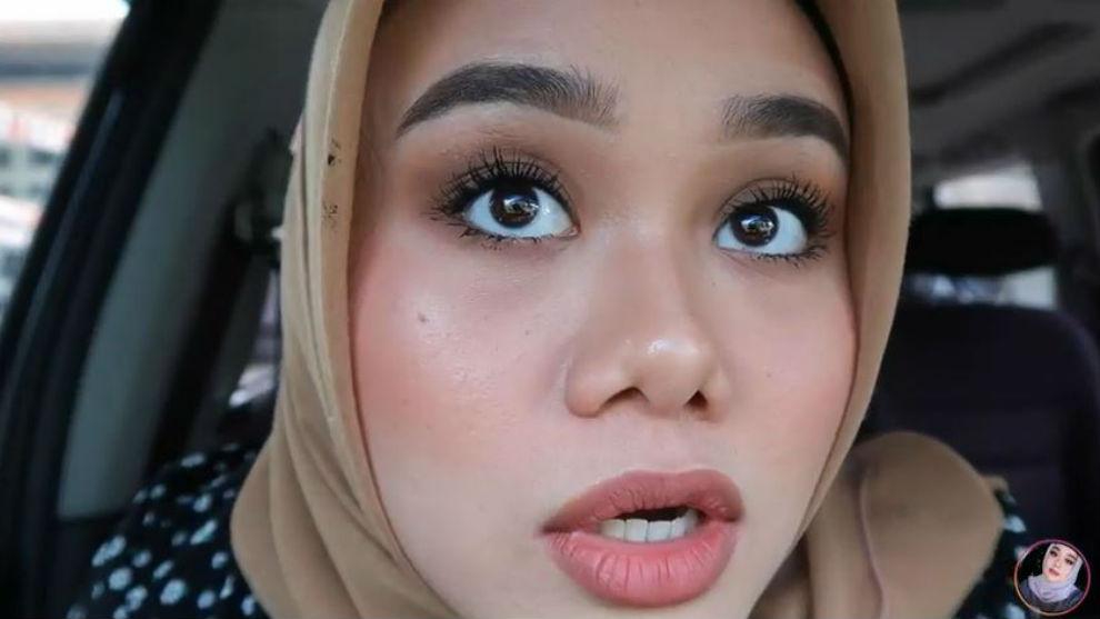 Tampil cetar dengan bulu mata asli tanpa extension ala Fatya Biya!