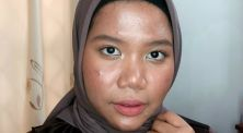 Tutorial membuat 'glass skin' makeup di kulit berjerawat!