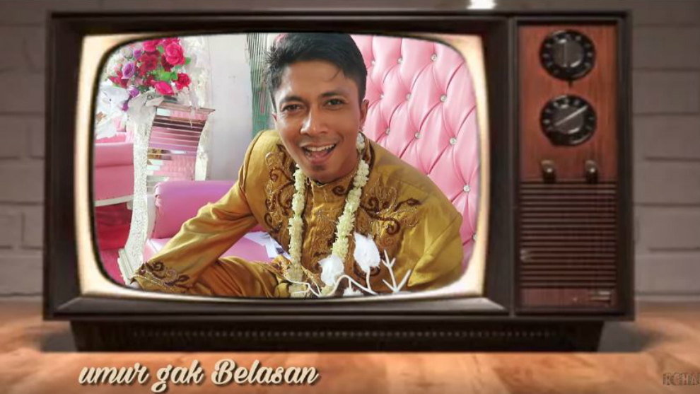 Anti mainstream! RCHAN bikin parodi 'Aisah Jamilah' di acara nikahan!