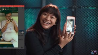 Kepoin handphone Amel Carla di 'What's In My Phone' challenge!