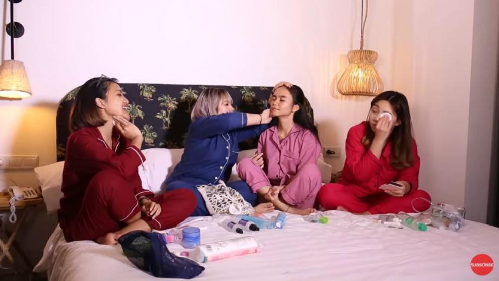 Sleepover: Sandra Samsolese lakukan skincare ke Lulu Anggriani