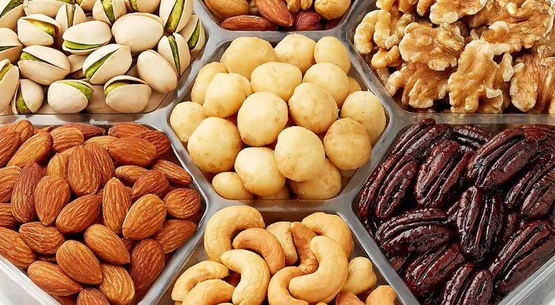 7 Makanan Penyebab Jerawat  © 2018 famous.id