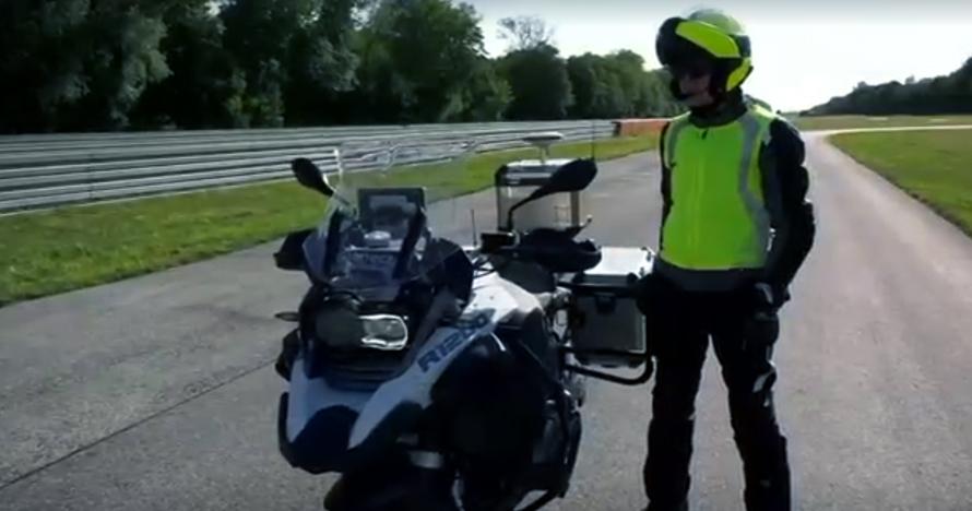 Motor buatan BMW ini canggih banget, melaju tanpa pengemudi