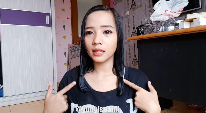 POTONG RAMBUT SENDIRI! GAK SAMPAI 1 MENIT!  © 2018 famous.id