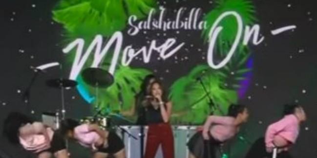 Mau lupain mantan? Yuk dengar single terbaru Salshabilla 'Move On'