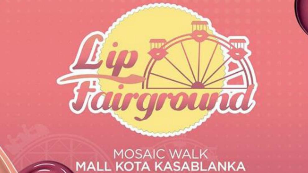 Seru-seruan sambil belanja makeup di 'Revlon Lip Fairground'