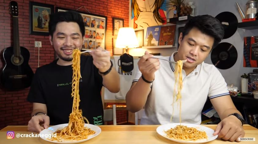 INDOMIE CAMPUR SPAGHETTI  Cultural Mix  © 2018 famous.id