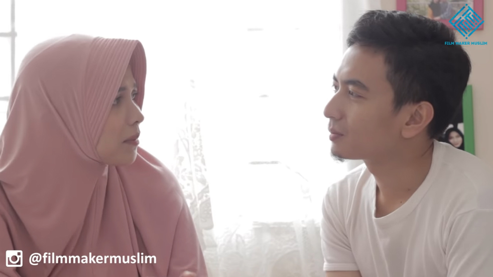 """Mencari arti cinta pertama dalam webseries """"Cinta Pertama Ratih"""""""
