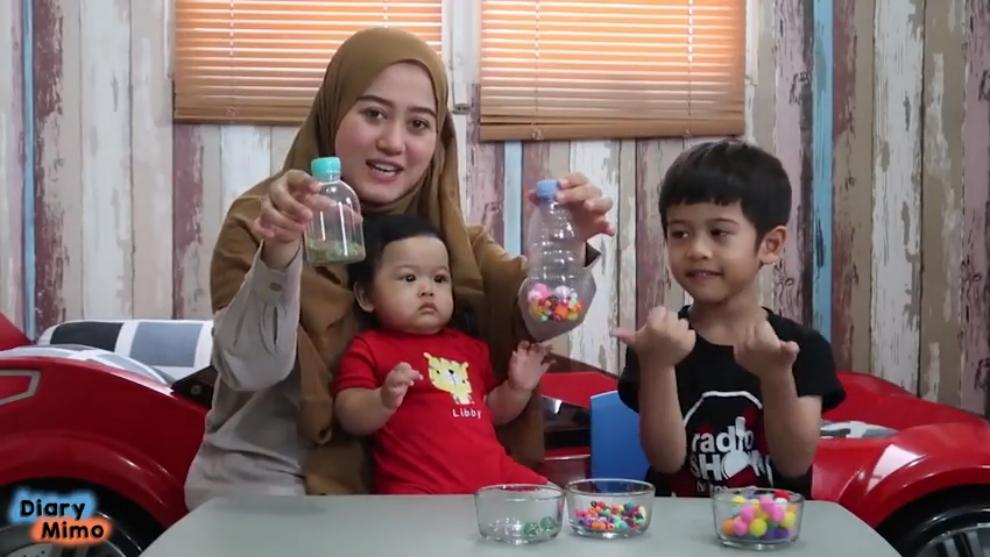 Hemat biaya! DIY kreatif membuat mainan bayi dari botol plastik