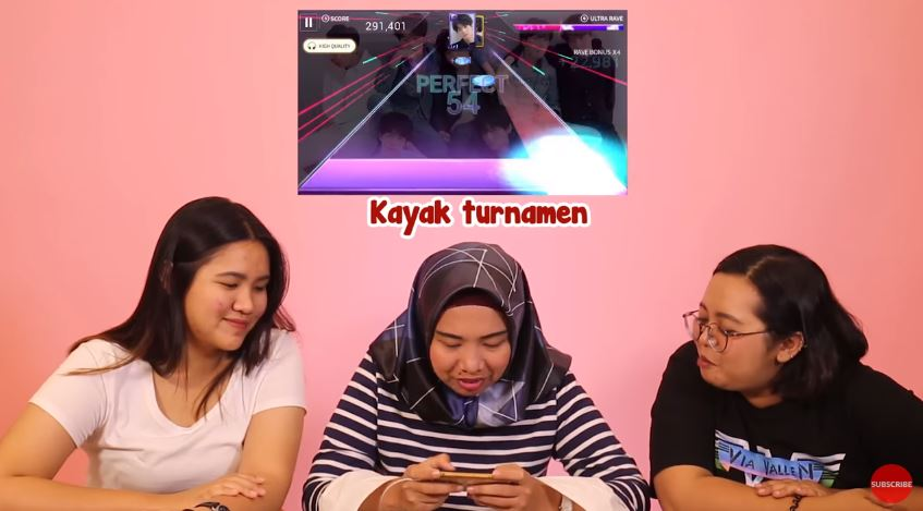 Main Game SuperStar BTS #FamousPlayground © 2018 famous.id