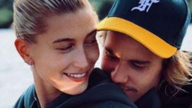 Ganti username instagram Hailey Baldwin dan Justin Bieber resmi nikah?