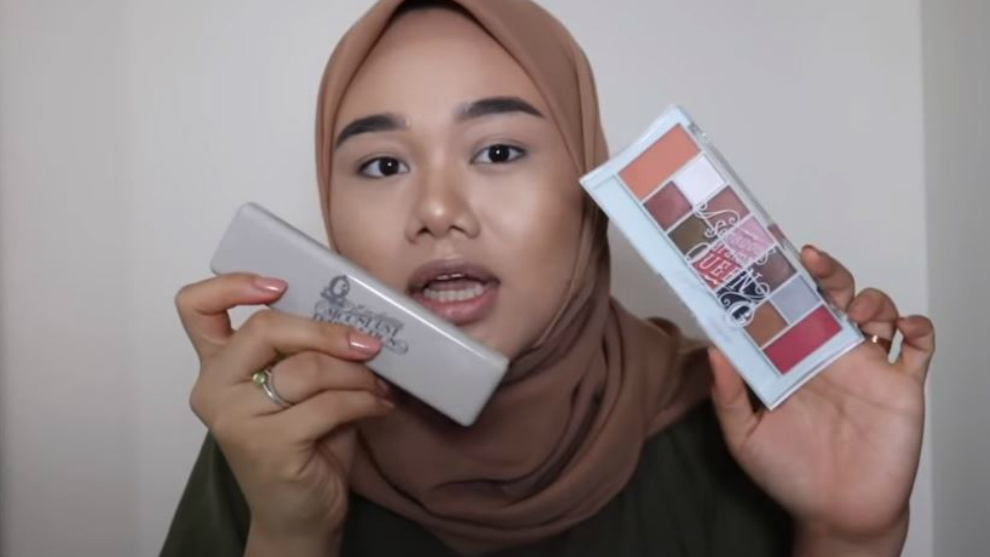 Fatya Biya review produk makeup artis Indonesia, worth it nggak ya?