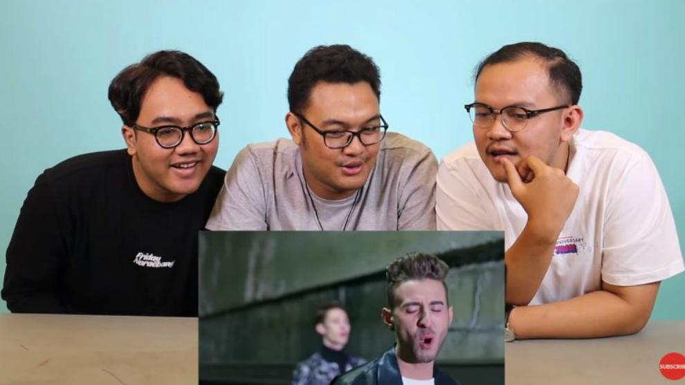 Reaksi Kpopers nonton klip EXP Edition boyband Korea beranggota bule