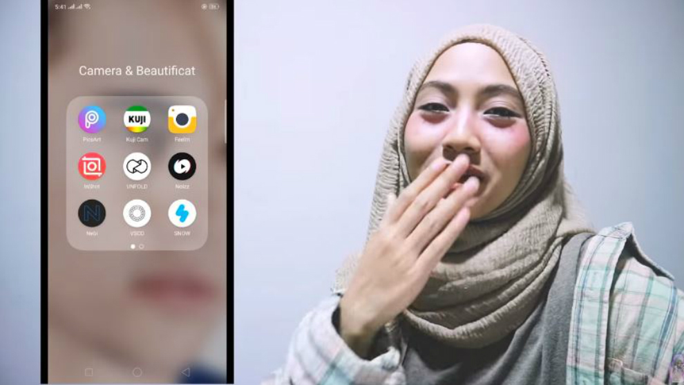 Kepoin isi handphone Aisyah Safira Putri di 'What's On My Phone'