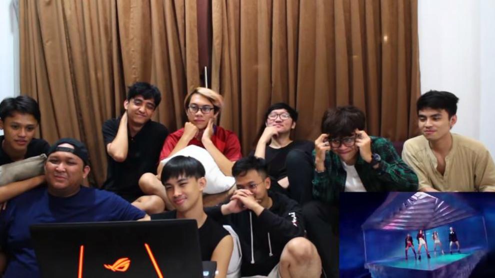 'Try Not To React' klip idol Kpop bareng fanboy! Berhasil nggak ya?