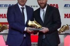 Ungguli Ronaldo, Lionel Messi terima sepatu emas kelima