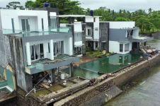 Melihat berbagai kerusakan tsunami 22 Desember 2018