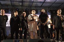Ifan tampak tegar saat konser tribute to Seventeen di Jogja