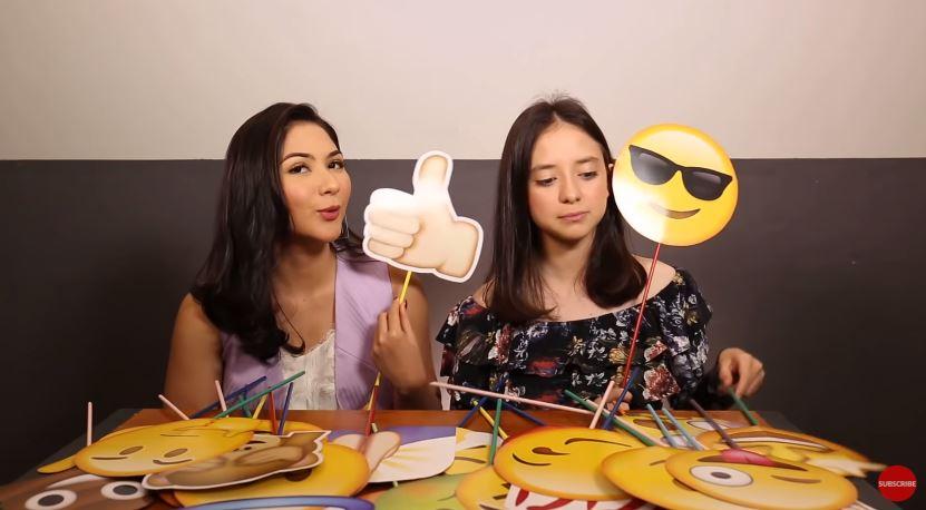 Emoji Untuk Sophia Latjuba dari Jessica Mila dan Bianca Hello #EmojiReactionChallenge © 2019 famous.id