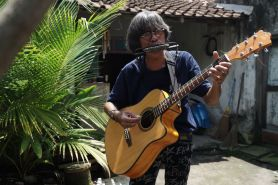 'Pieter' Lennon, pengamen nyentrik ala The Beatles