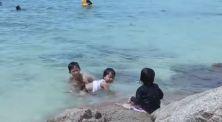 Berenang dan main pasir pantai sepuasnya bersama Lifia dan Niala!