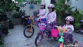 Lifia dan Niala review helm anak keren untuk bersepeda!