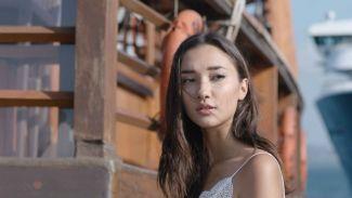 Carissa Perusset baca novel Antologi Rasa tiap hari demi dalami peran