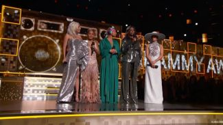 Alicia Keys ditemani Michelle Obama juga Lady Gaga pandu Grammy Awards