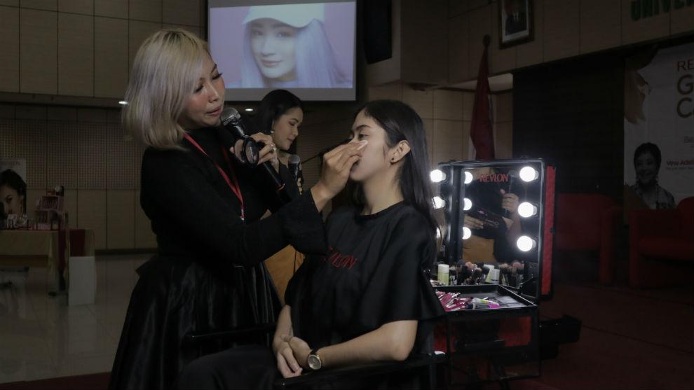 'Revlon Goes To Campus' beauty course kolaborasi FamousID dan Revlon
