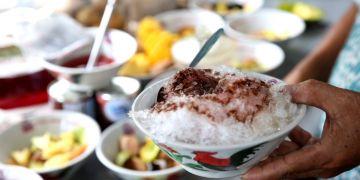 Es Buah PK, kuliner legendaris Yogyakarta yang selalu ramai