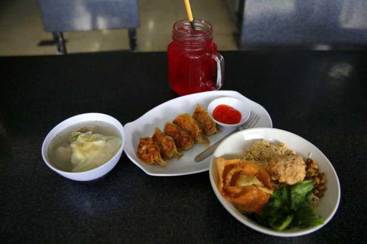 Mi Ayam Grabyas Red Door, kuliner hits jadi buruan meski pindah tempat
